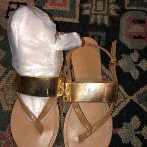 Super super cute flat sandals 👡
